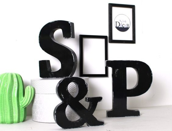 Décorer votre maison avec des lettres en bois lumineuses