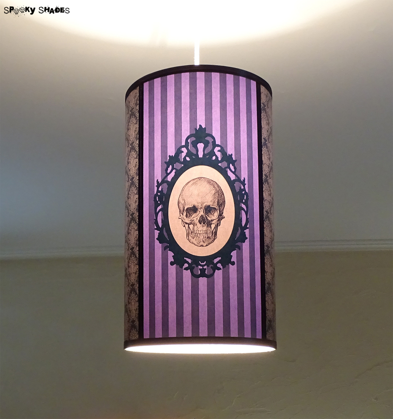 lampe suspension violette style baroque gothique
