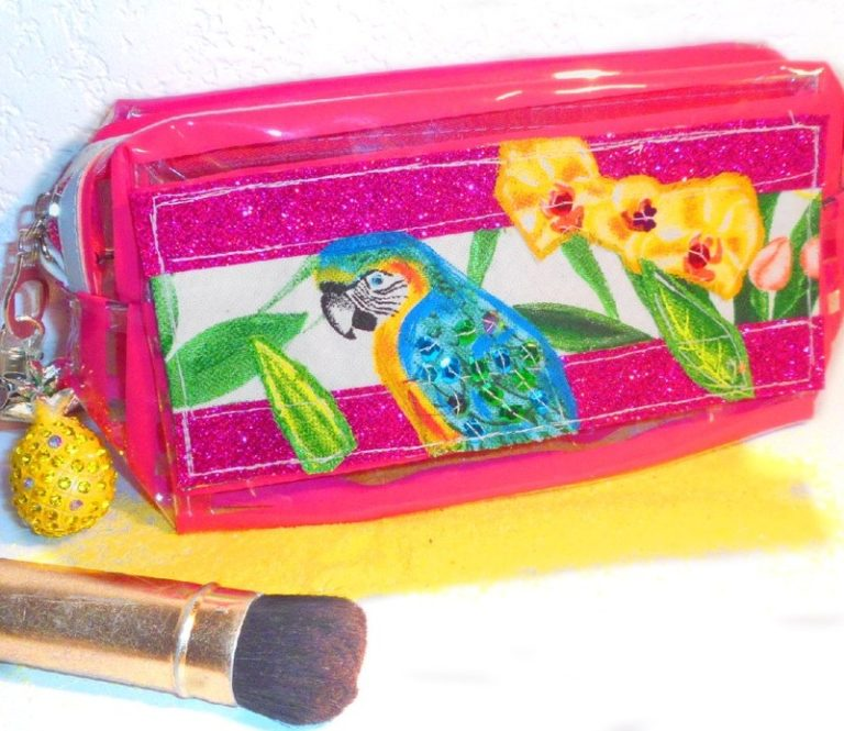 trousse maquillage plastique rose plage