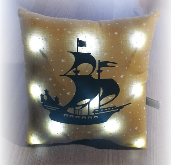 coussin pirate lumineux