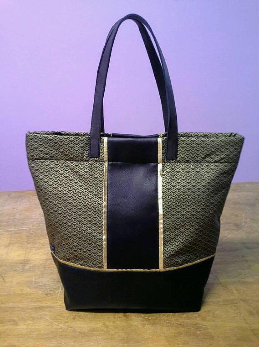 sac noir et doré en simili cuir