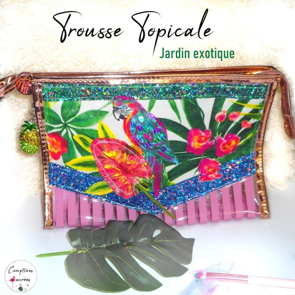 trousse maquillage plastifiée motifs tropicaux avec perroquet et jungle